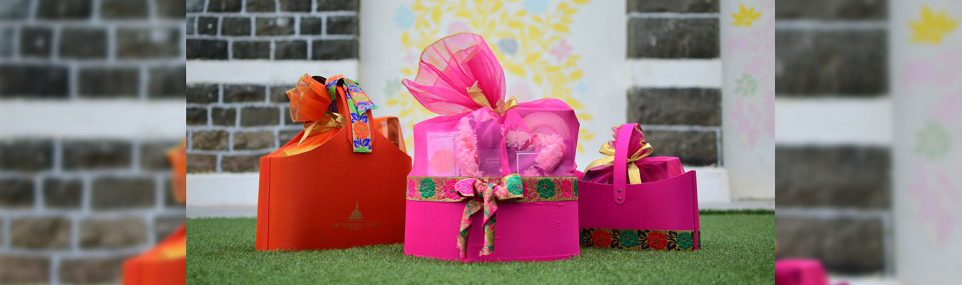 Book Your Festive Gift Hampers