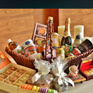 Festive Hampers at La Patisserie