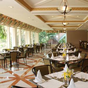 Waterside Café,Taj Banjara, Hyderabad